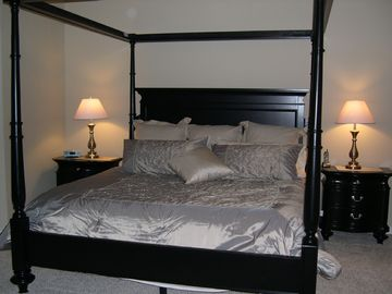 Master Suite - Main Floor