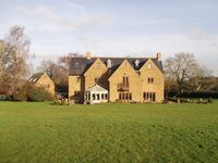 Stunning House For Weekend Breaks In The Country Sleeps 12 -14 adults