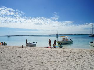 Great Exuma house photo - Places to relax: Stocking Island by water taxi, leaves from Georgetown.