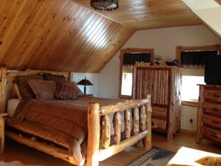 Sullivan lodge photo - Pinetree Master bedroom for a restful nite sleep........It is the Best!!!