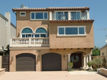 Ventura house rental - Brand new beach house in immaculate condition.