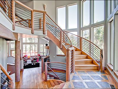 Modern, Beautiful Entryway