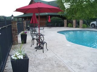 Gatlinburg cabin photo - Enjoy the peace and tranquility of a private pool