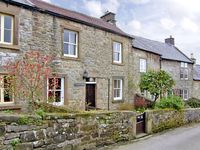 WILDFLOWER COTTAGE, character holiday cottage in Winster, Ref 1076