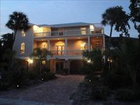 'Lazy Palm' Fabulous, 4 bedroom,game room,pool,golf cart bicycle option,SPECIALS