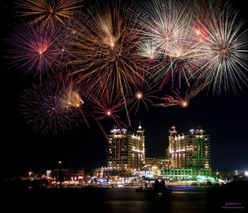 Enjoy Fireworks at Harborwalk Village on Thursdays and Holidays (Seasonal)