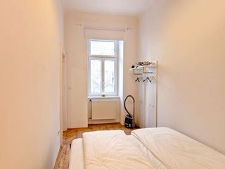 Innere Stadt apartment photo - Quiet and bright Bedroom with king-size Bed