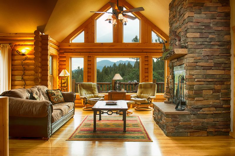 Luxury log cabin w pikes peak views perfect vrbo for Log living room