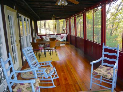 Harpers Ferry cabin rental - screened porch
