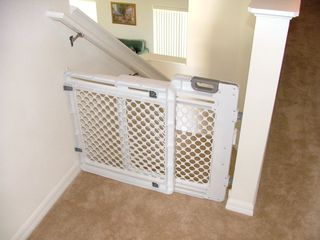 Hampton Lakes villa photo - Child safety gate for top or bottom of stairs
