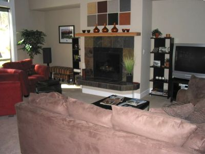 "Large Living Room with Fireplace and 42"" HDTV/Stereo"