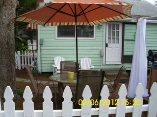 Umbrella table - Tybee Island cottage vacation rental photo