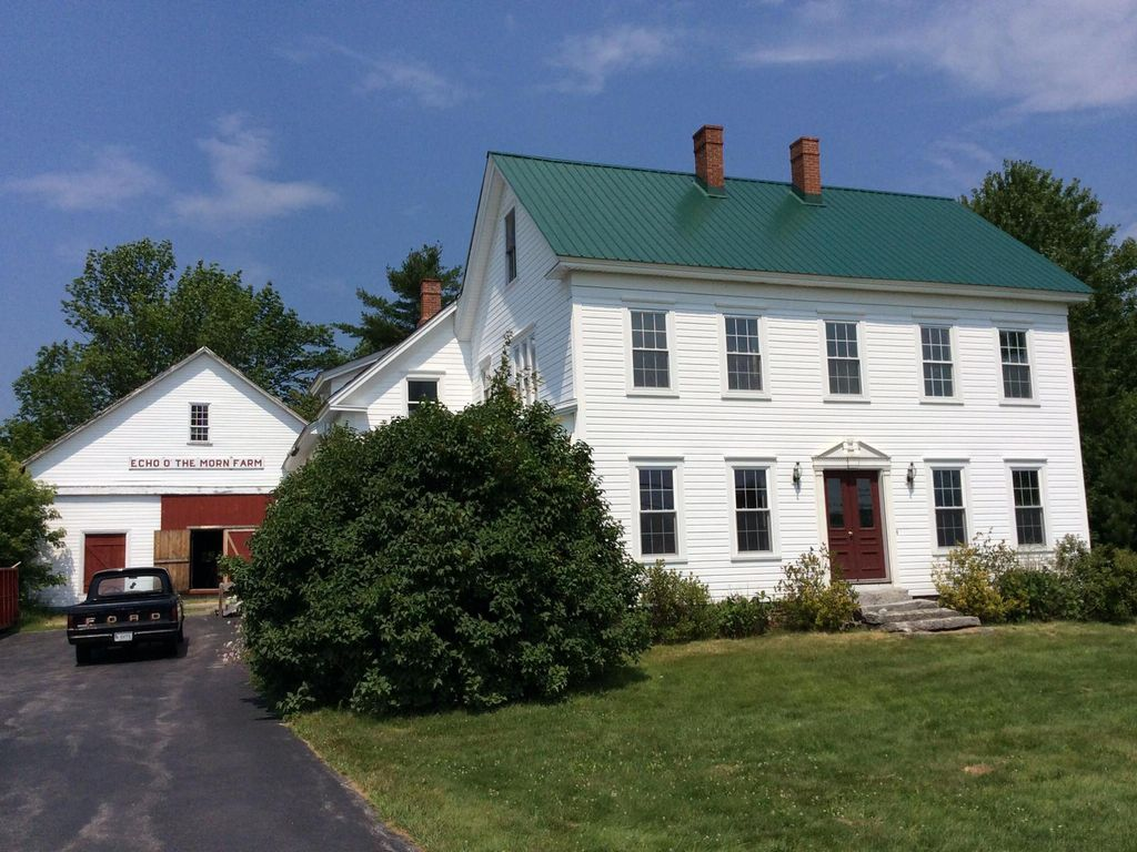 Beautiful furnished COLONIAL FARMHOUSE for VRBO