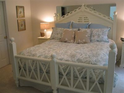 Private Master Bedroom Suite - New King Bed