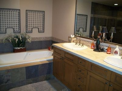 Master Bath Double Sinks - Jetted Tub