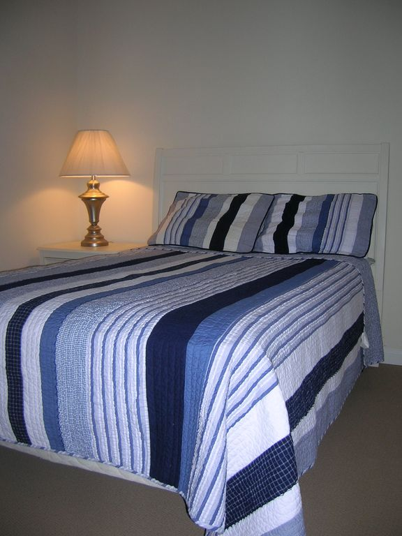 Queen Bed - Attached Full Bath