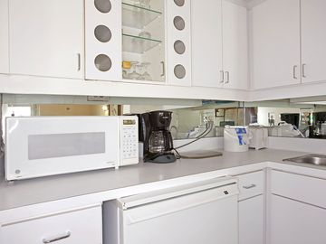 Kitchenette w/Mini Refrierator, Micro, Sink, Dishes & Coffee Pot