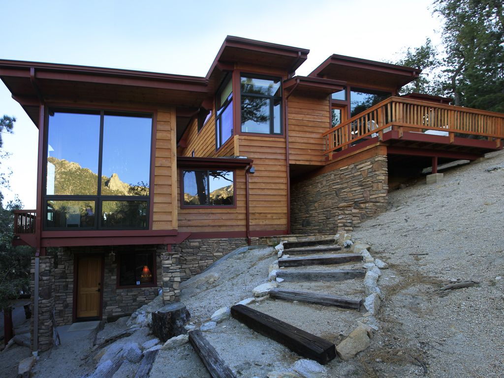 Gorgeous home inside and out with amazing views vrbo for Amazing houses inside and out