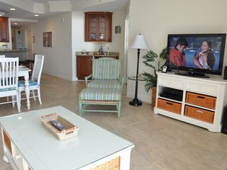 Belmont Towers Ocean City condo photo - Wet bar and TV