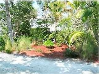 Fort Myers Beach house photo - Gardens
