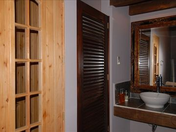Sauna and changing room