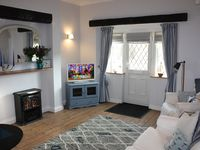 CRABPOT COTTAGE, DELIGHTFUL 1 BED HOUSE, 50 METRES FROM BEACH - NEW FOR 2015!!
