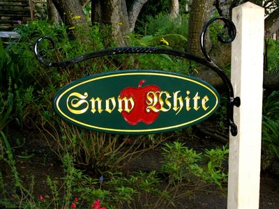 Snow White sign in front yard