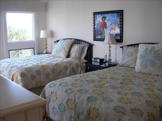 Seabrook Island condo photo - Two queen bed in both master bedrooms