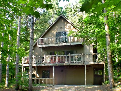 BEAUTIFUL, SPACIOUS Crystal Mountain Resort Home.  Just Steps To Village!
