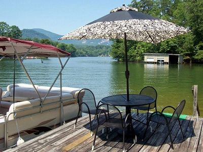Boat Dock w/Table, Chairs & Umbrella (boat available to rent w/cottage)