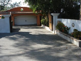 Hollywood house photo - Driveway