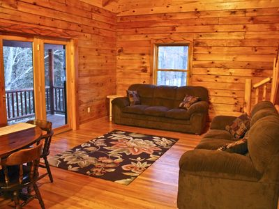 Sturgeon River Luxury Log Home Getaway
