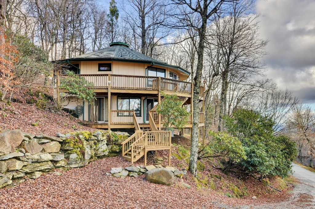 Spacious unique 4br beech mountain house vrbo - Alpine vacation houses ...