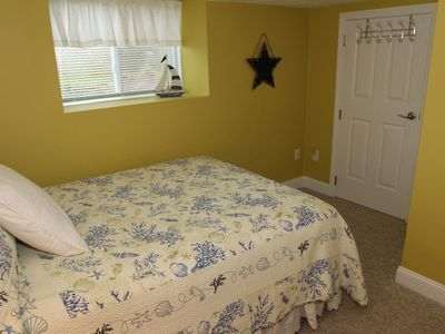 Double Bedroom w/flat screen HD TV