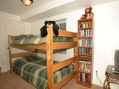 Bunk bed room has lots of toys & a TV/VCR to keep the kids busy while you relax!