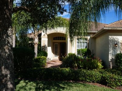 Super Location! Minutes to Beaches. Serene vacation home in gated community.