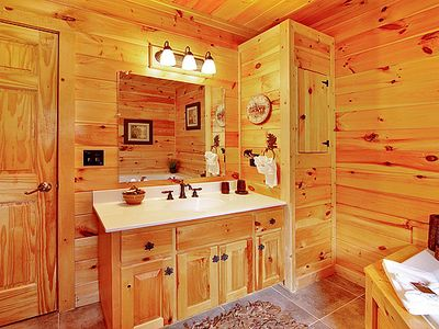 Pigeon Forge cabin rental - Extra towels provided . Full shower unit with each bath