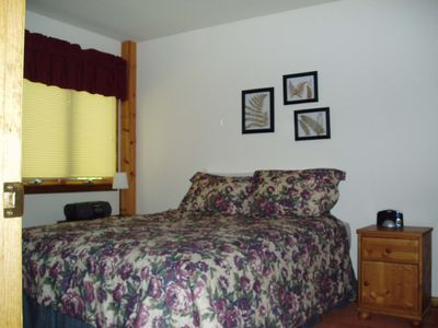 Ludlow house rental - BR #2 Queen Bed