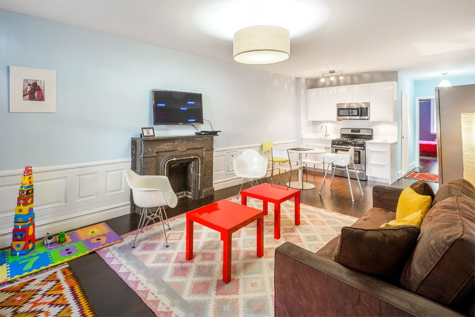 Newly Renovated Apartment In Townhouse - Great For Families