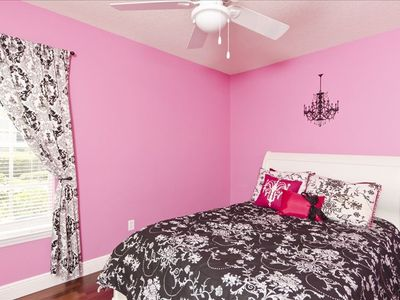"Every little girls Dream The ""Pink"" Room"