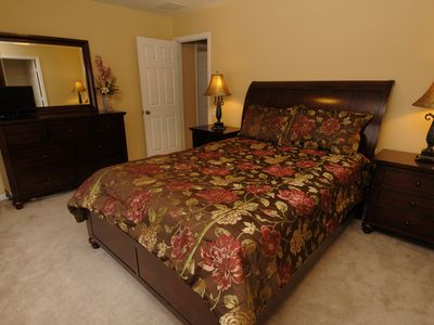 Windsor Hills villa rental - 2nd Floor Queen Bedroom. Brand New Queen Bed with Flat Screen TV.