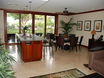 Ko Olina villa rental - Kitchen/Dining Room