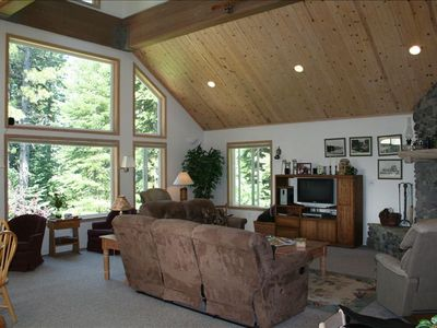 Spacious Greatroom with beautiful wooded view of the backyard