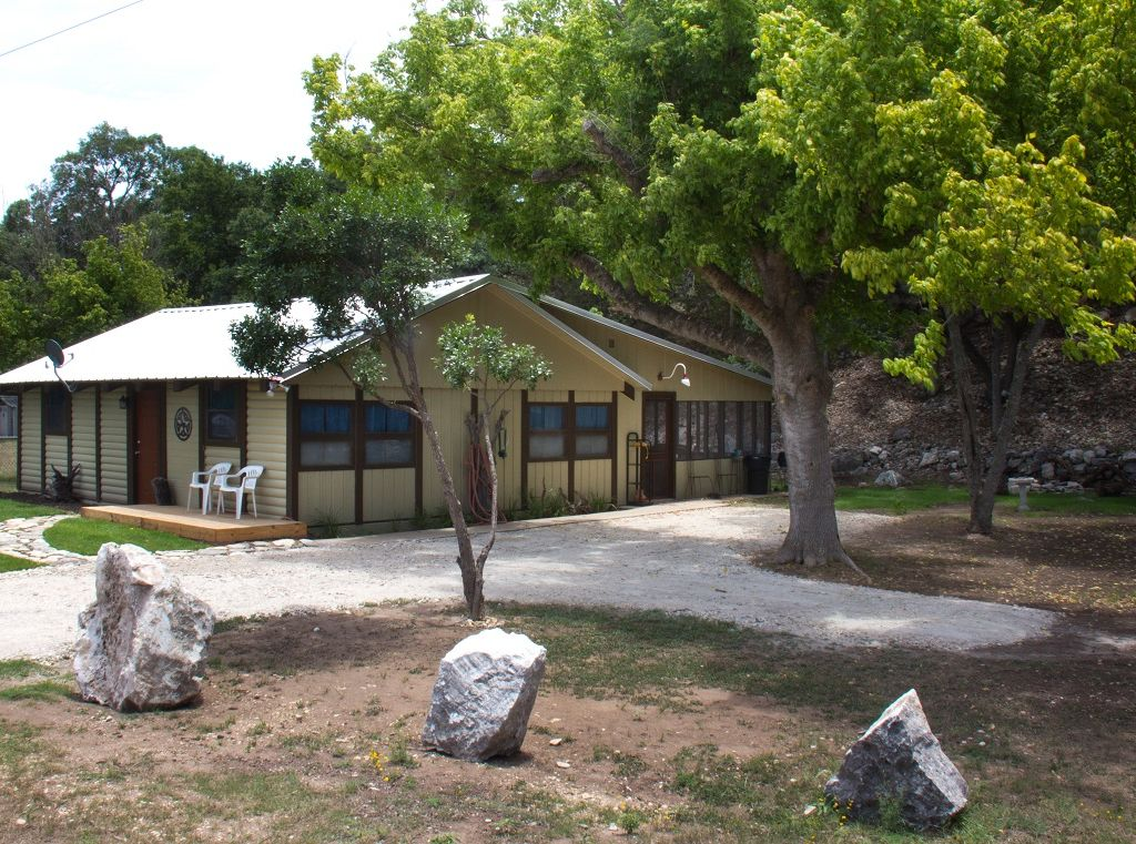 Hunt vacation rental vrbo 481697 1 br hill country for Hunt texas cabins