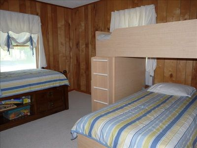 Bedroom with twin bed & bunk beds