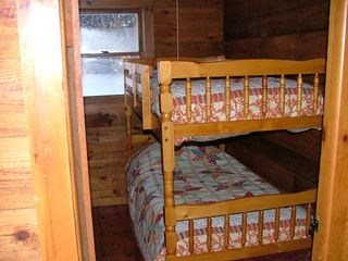 Pittsburg cabin photo - Bunk Beds