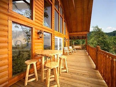 OVER 1100 SQ. FT. OF DECK ON THIS CABIN!!!!!!!!!!!!