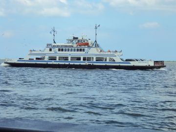 Fort Fisher Ferry to Southport 2 mi from house. 1/2 hour $5 per car ferry ride