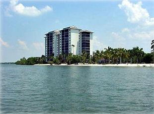 Beautiful Waterfront Condominium