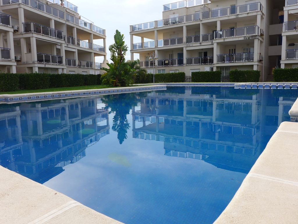 Apartments In Luxury Complex Pool And Garden On